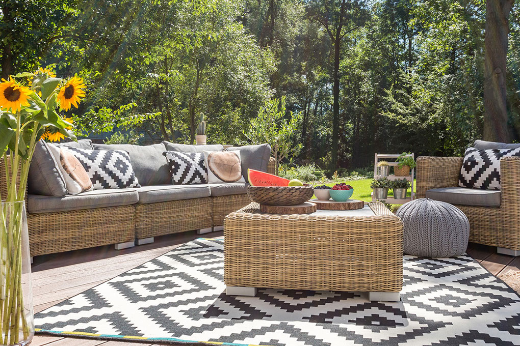 Find out how you can adopt this outdoor trend while getting value for your money, taking care of your furniture and avoiding overconsumption.
